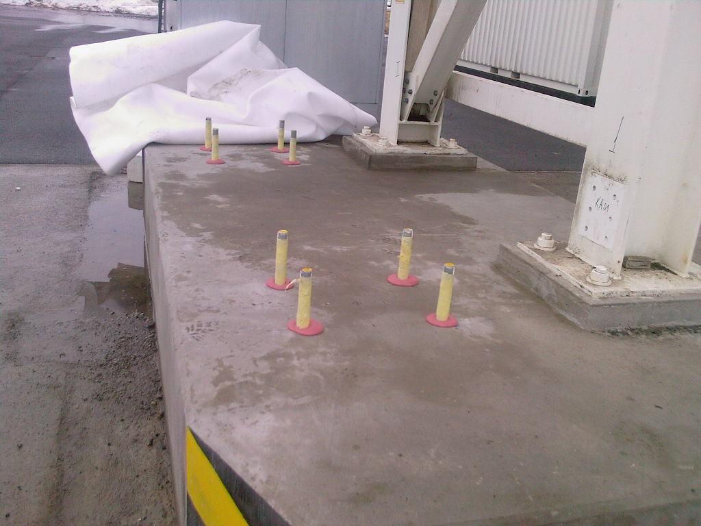Kotvení ocelových konstrukčních prvků pomocí chemických kotev - Obalovna živičných směsí Herkul - Vtelno