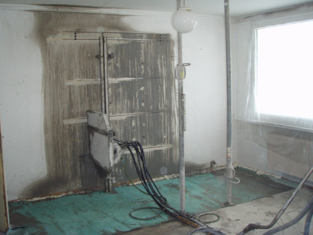 Vyřezání dveří v panelovém domě