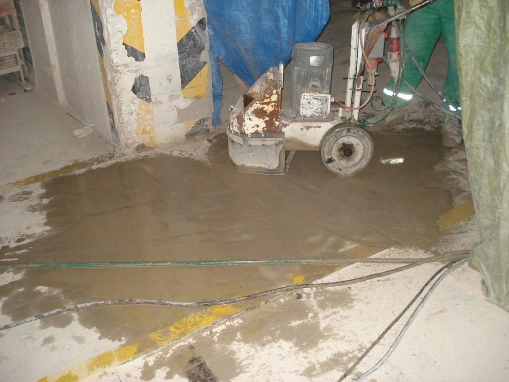 Broušení  spár průmyslové podlahy - Ideal Standard s.r.o.