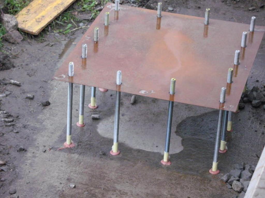 Vlepování chemických kotev pro usazení železobetonových prvků lávky pro pěší - Ústí nad Labem