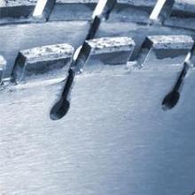 Řezání stěnovými pilami - detail diamantového koutouče