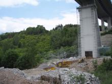 Drcení demontovaných bloků pilíře